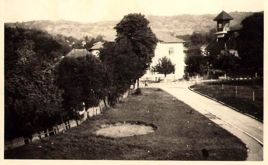 picture of churchyard and boarding house in 1950s Slanic, Romania